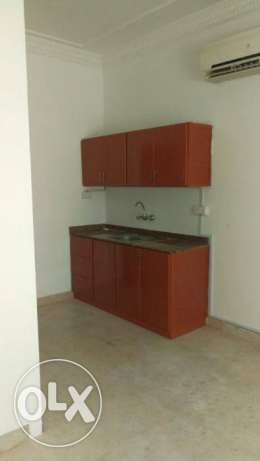 room with private bathroom and American kitchen in the HALL Ghoubra 18 مسقط -  8