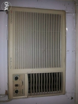 2 ton Ac good condition for urgent sell.