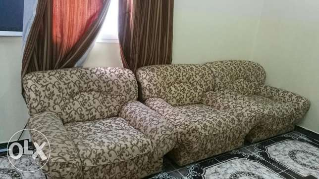 7 Seater Sofa (3+1+1+1+1) in Good Condition