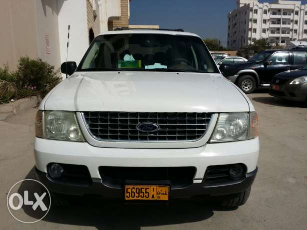 Ford explorer 2004 full option sunroof urgent sale صلالة -  1