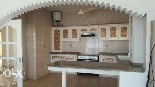 Al Hail North Penthouse Specious Flat with Private Terrace & Parking i مسقط -  4