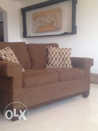 Beautiful rich chocolate brown 3 piece sofa couch 3+2+2 in lovely cond مسقط -  2