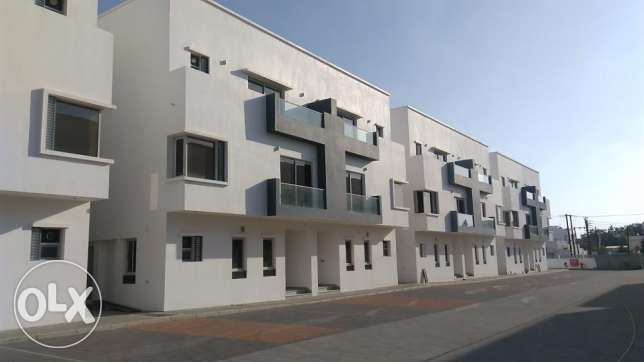 NEW Compound Villa 4BHK FOR RENT in Al Hail North near OmanOil pp38