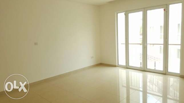1 BHK semi furnished apartment at THE Waves Very close to The Walk Mal مسقط -  2