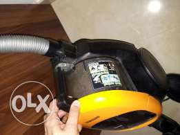 2200 W Samsung vacume cleaner excellent condition