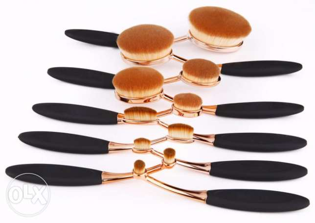 10 pcs Oval Makeup Brush in Rose Gold Set