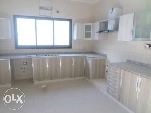 4 BR + Maids Room Brand New Twin Villa in Bausher opp Royal Hospital بوشر -  3