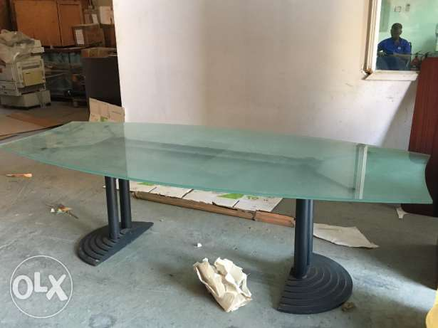 Dining table with Glass top مسقط -  1