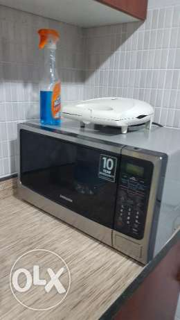 Microwave availbe for sale good condition