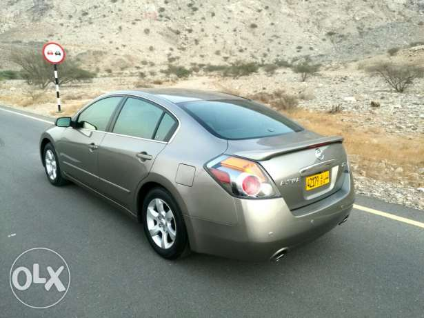 Nissan Altima in very good condition مسقط -  5