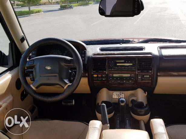 LAND ROVER DISCOVERY 2003 double roof full option with leather seats مسقط -  5