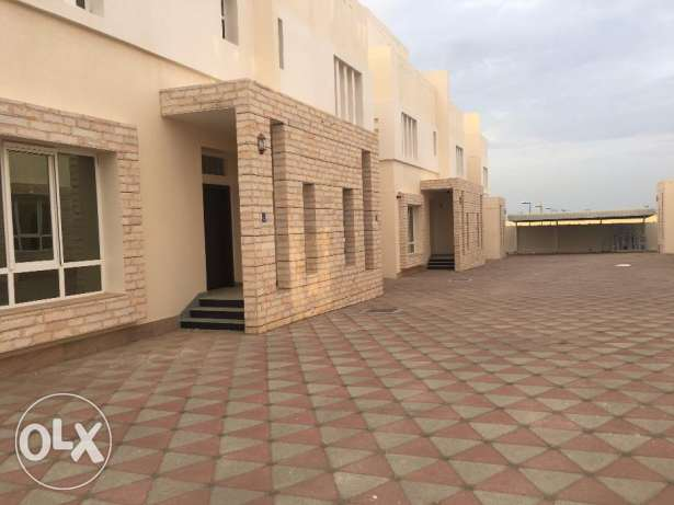 brand new villas for rent in a compound in boshar