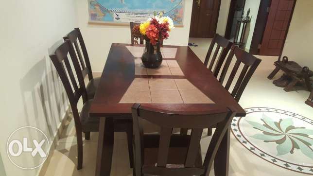 Six seater dining table pure wood From Home centre. مسقط -  1