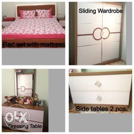 Full bedroom set in very good condition.