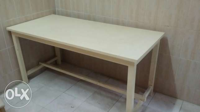 Table and 2 chairs مسقط -  2