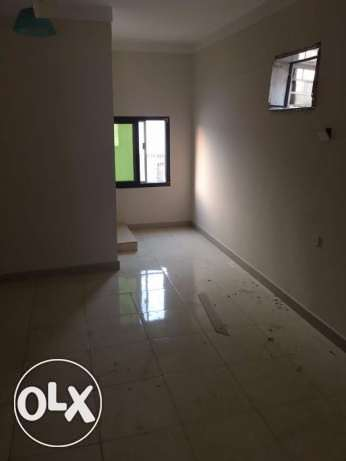 3 BHK for rent in alkhawir 17/1 3 bedrooms Hall Big kitchen مسقط -  1