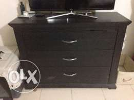 Brit expat leaving - Homecentre large chest of drawers