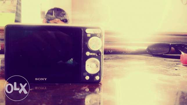 Sony cyber shot selling in good condition