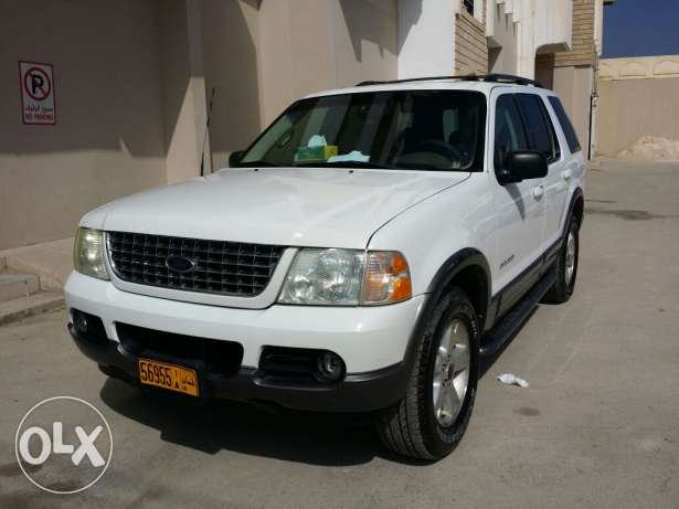 Ford explorer 2004 full option sunroof urgent sale صلالة -  3