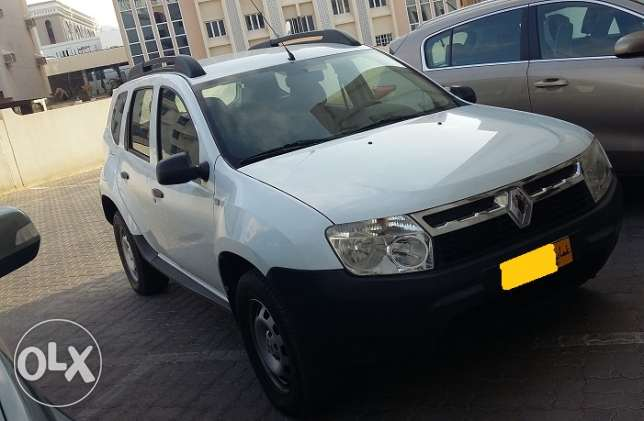 Renault duster 2014 model fully auto in excellent condition