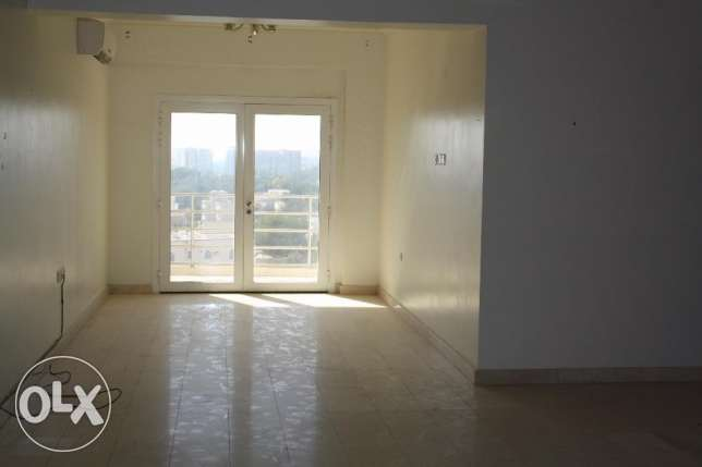 flat for rent in alhail north near pizza hut