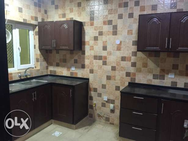 flat for rent in almawaleh north near to vegetable souk مسقط -  1