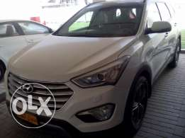 Lady driven Hyundai Santa fe Grande 2015 for sale.