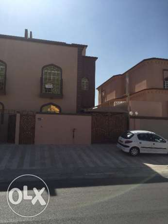 beautiful villa for rent in al mawaleh south for 600 rial