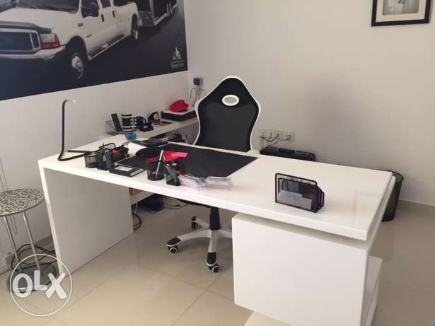 Office Furniture for Sale (barely Used) السيب -  2