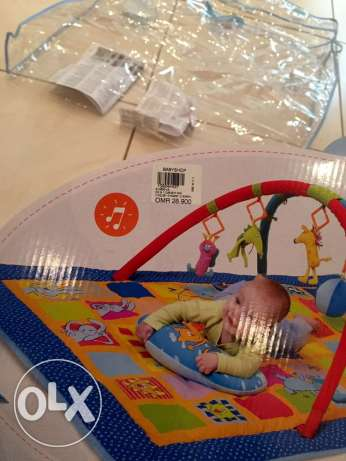 Activity Gym for babies, branded, large size, excellent condition مسقط -  2