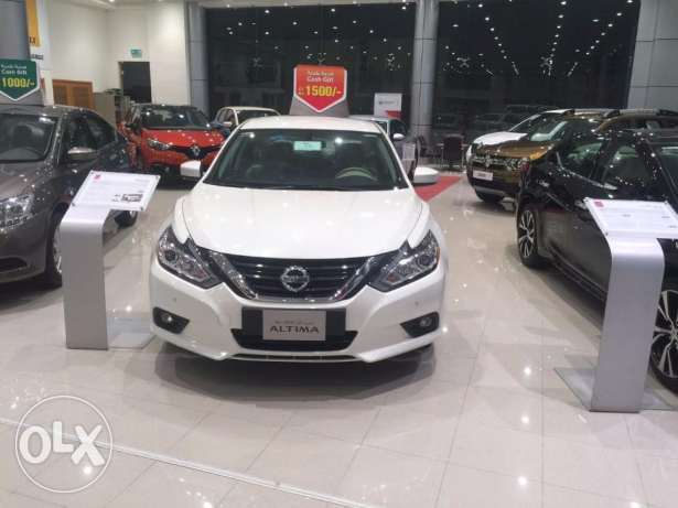 Daily rent for saloon car nissan altima مسقط -  1