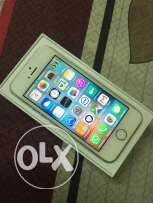 IPhone 5s 16gb 4g Gold mint Condition well maintaind