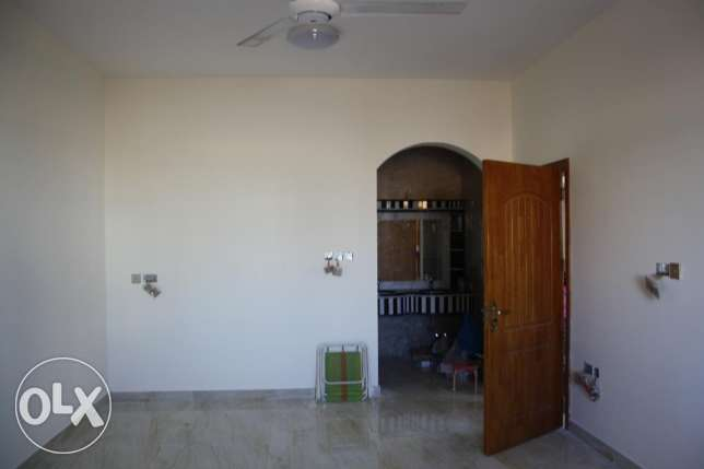 new villa for rent in al khod six near to univeersit مسقط -  2