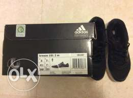 Adidas shoes ( like new )
