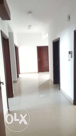 North Ghubrah 4bhk flat for rent opposite New Mars