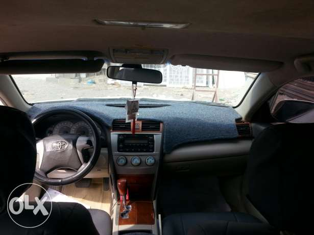 Toyota camry 2009 model. price 2000 or slightly negotiatabl السيب -  3