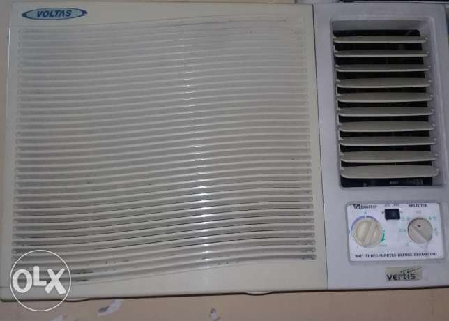 1.5 ton samsang split a/c in very good condition