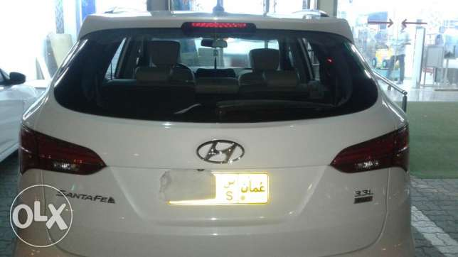 Doctor owned santafe 7seater 3.3 full option 2016 model السيب -  3