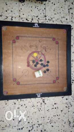 Carrom board 32 inch with coins - Good condition
