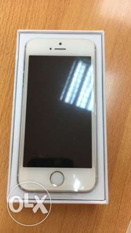 iphone 5s 16gb like new only 85 OR مسقط -  1