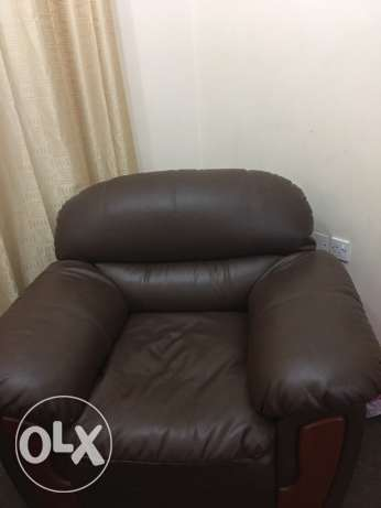 leather sofa for sell مسقط -  2