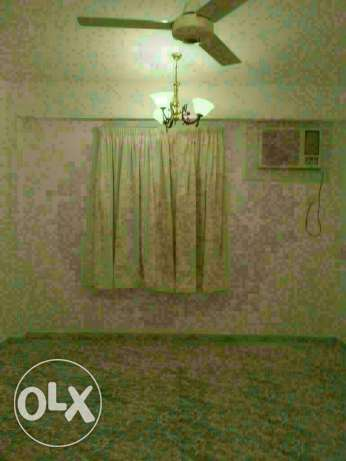 Flat in gubra for rent مسقط -  2