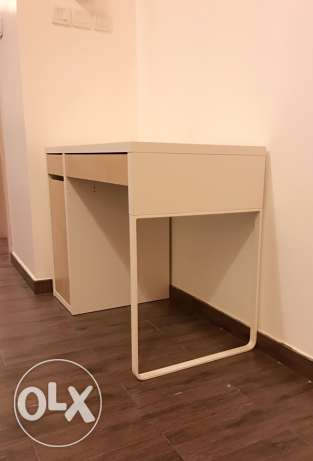 Table with chair مسقط -  2