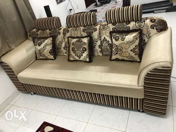 Sofa plus centre table for sale(3+2 seater)