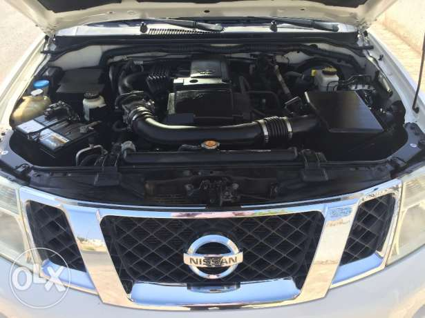 Excellent Condition Nissan Pathfinder 2010 model Number 2 with Rear AC مسقط -  7