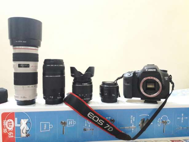 Canon 7D with 4lens for sale 1000/omr.