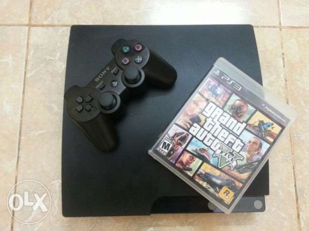 Ps3 with a controller and gtav