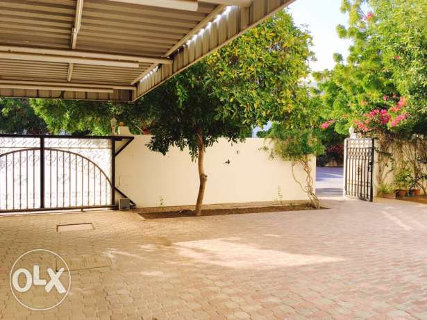 Independent Villa For Sale in Athaiba