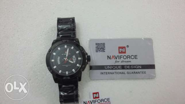 Naviforce metal stylish watch with warrenty