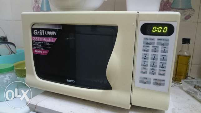 23 ltr. Microwave (Grill) for sale